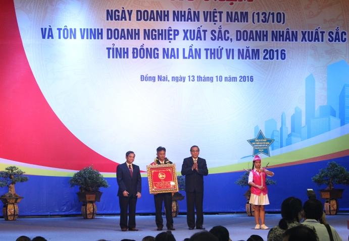 Công ty CPPT KCN Tín Nghĩa đạt danh hiệu Doanh nghiệp xuất sắc tỉnh Đồng Nai